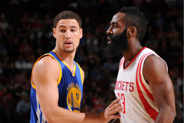 Klay Thompson y James Harden./ Getty Images
