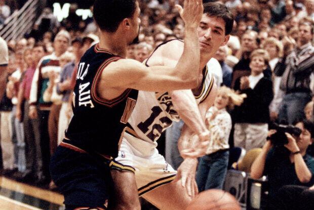 John Stockton superó a Magic Johnson hace 20 años