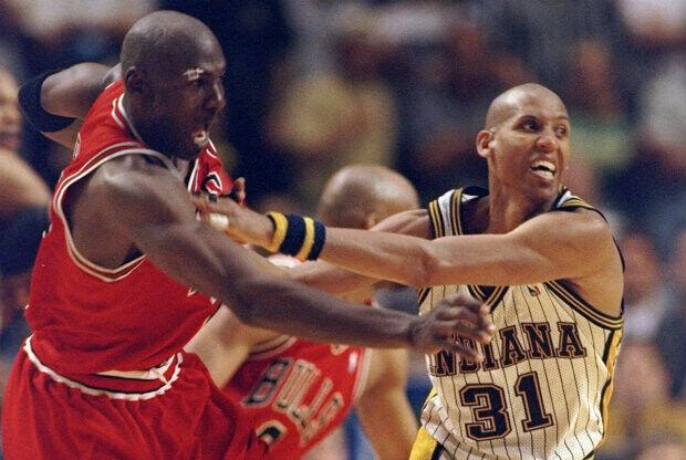 Reggie Miller y Michael Jordan./ Getty Images