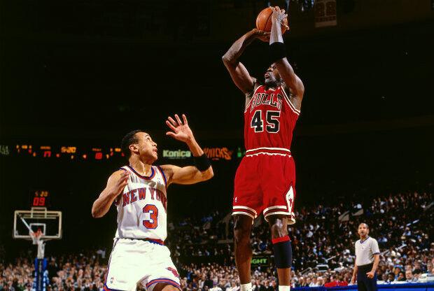 Michael Jordan hizo historia dos veces un día como hoy