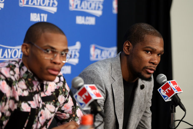 Russell Westbrook y Kevin Durant./ Getty Images