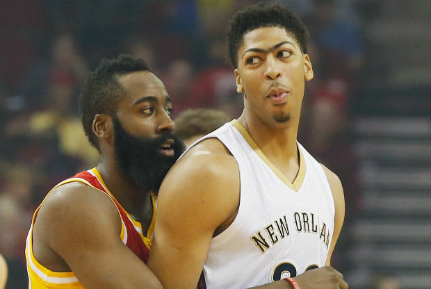 Anthony Davis y James Harden./ Getty Images