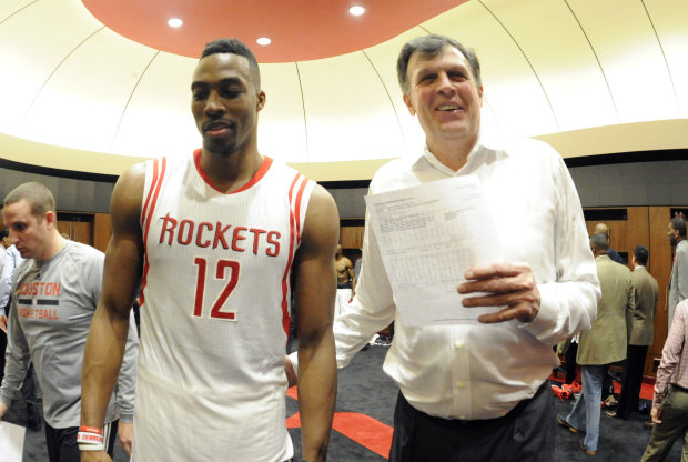 Kevin McHale y Dwight Howard./ Getty Images