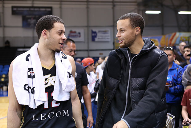 Seth Curry y Stephen Curry / Getty Images