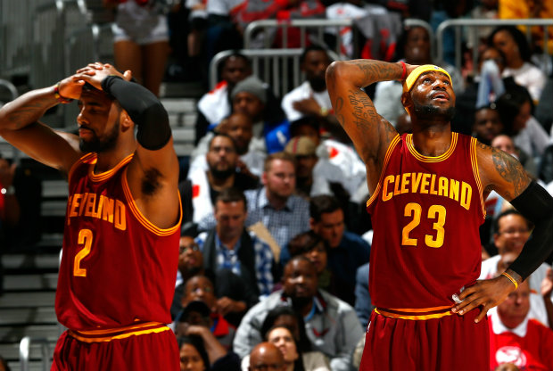 LeBron James y Kyrie Irving / Getty Images