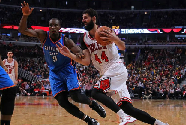 Nikola Mirotic y Serge Ibaka / Getty Images