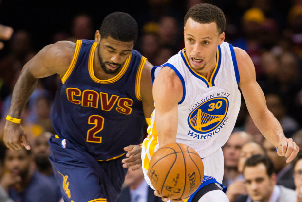 Stephen Curry y Kyrie Irving / Getty Images