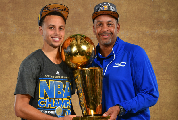 Stephen Curry y su padre / Getty Images