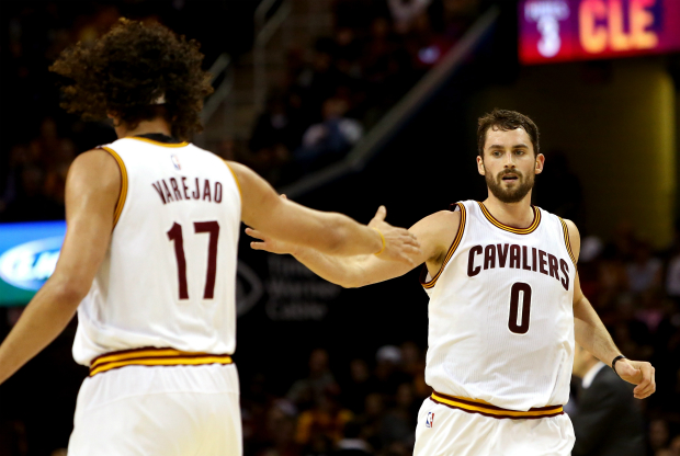 Kevin Love y Anderson Varejao / Getty Images