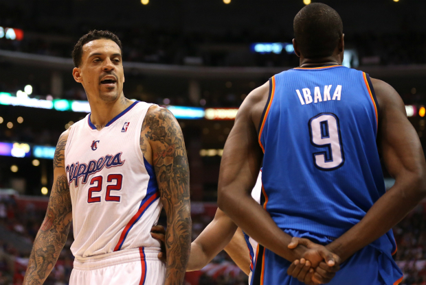 Serge Ibaka y Matt Barnes / Getty Images