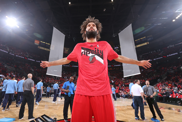 Robin Lopez / Getty Images