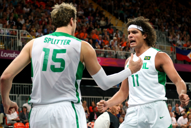Tiago Splitter y Anderson Varejao / Getty Images