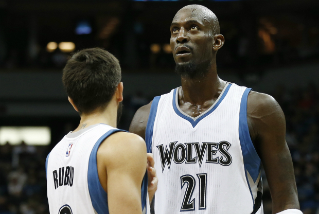 Ricky Rubio y Kevin Garnett / Getty Images