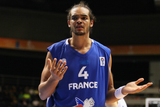 Joakim Noah con la camiseta de Francia