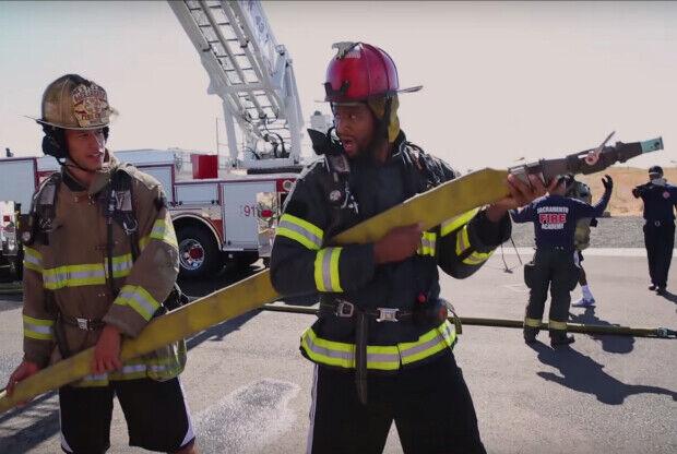 Sacramento Kings entrenando con los bomberos