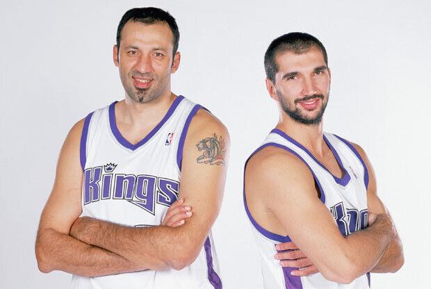 Divac y Stojakovic