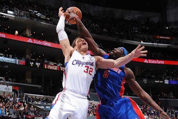 Ben Wallace tapona a Blake Griffin