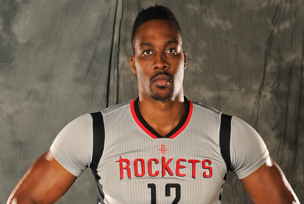 Dwight Howard con el nuevo uniforme de Houston Rockets