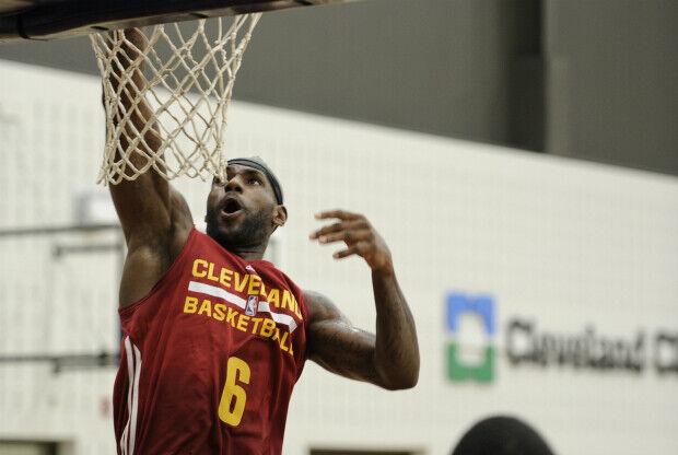 LeBron James entrenando con Cleveland Cavaliers