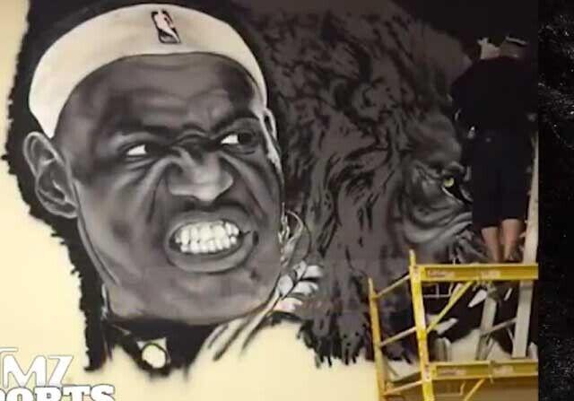LeBron James da imagen a la cancha personal de Rick Ross