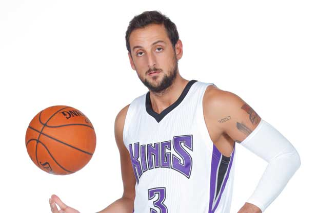Marco Belinelli se sale en su estreno con Sacramento Kings