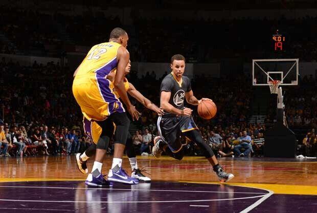 Suspendido en el tercer cuarto el Warriors-Lakers