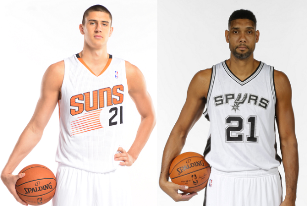 Alex Len y Tim Duncan en el media day