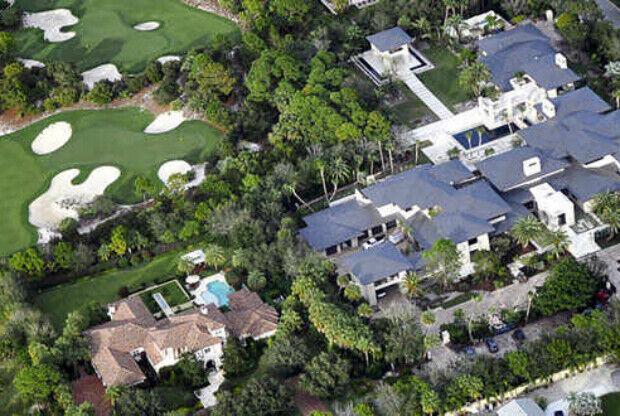 Gimnasio Baños Jordan:El comprador de la mansión de Michael Jordan trae regalo