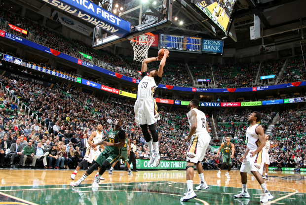 Anthony Davis no pudo ante Utah Jazz