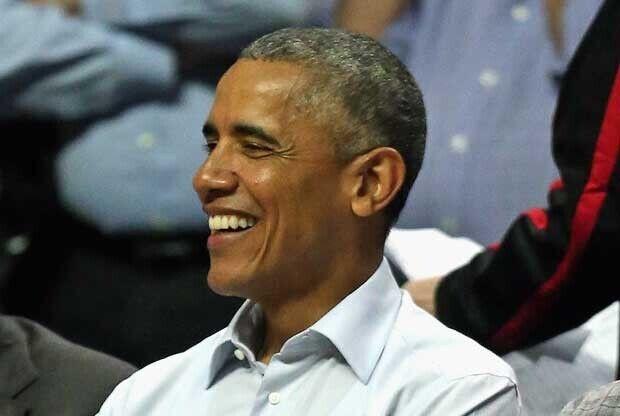 Barack Obama, en un partido de Chicago Bulls