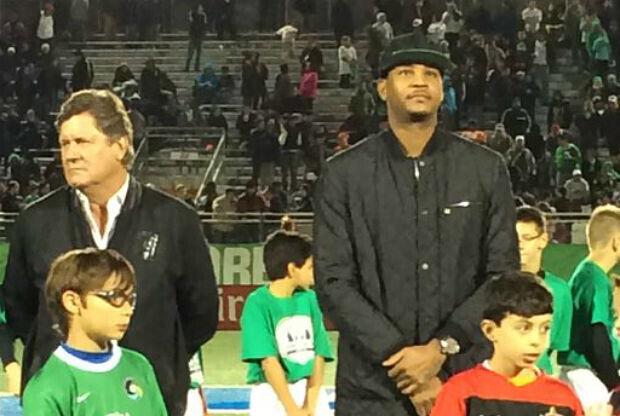 Carmelo Anthony en la despedida de Raúl