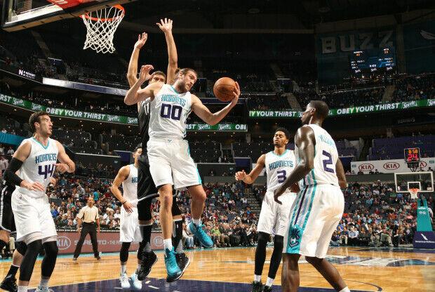 Siete de jugadores de Charlotte Hornets sumaron más de 10 puntos.