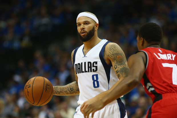 Deron Williams jugando con Dallas