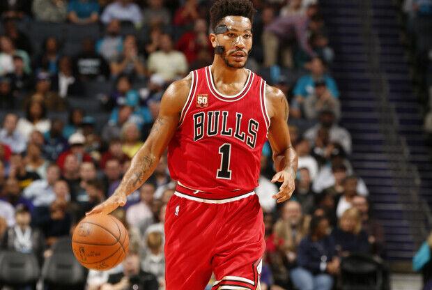 Derrick Rose en partido con Chicago Bulls.