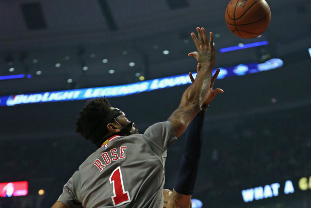 Derrick Rose lideró victoria Chicago Bulls.