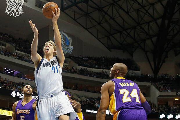 Dirk Nowitzki deja en evidencia a Kobe Bryant