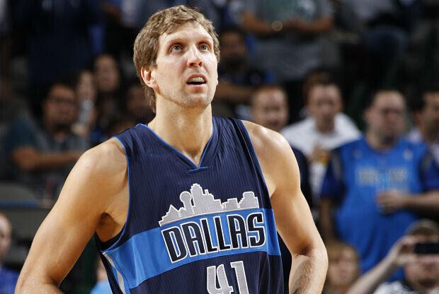 Dirk Nowitzki jugará un año más con Dallas