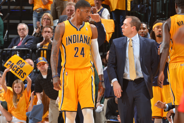 Frank Vogel alaba a Paul George
