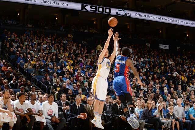 Klay Thompson, muy inspirado ante Detroit Pistons