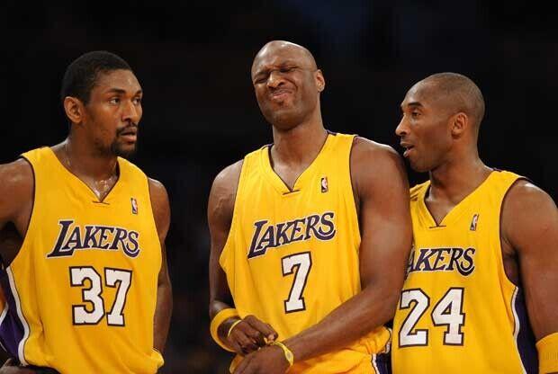 Metta World Peace, Kobe Bryant y Lamar Odom
