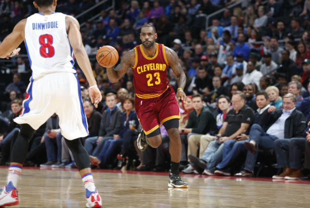 LeBron James ante Detroit Pistons