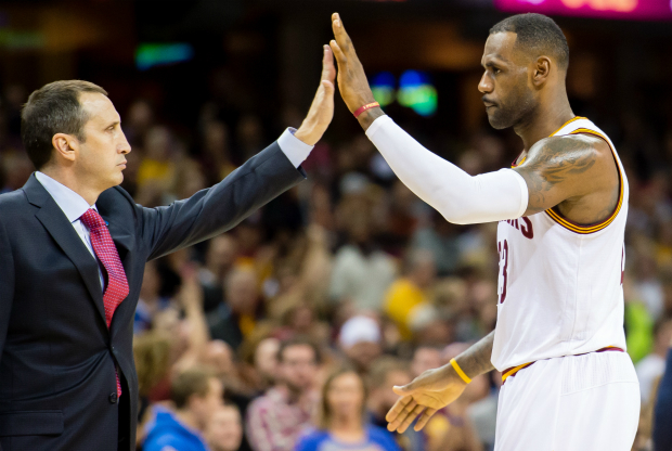 LeBron James se despacha en elogios hacia su coach.