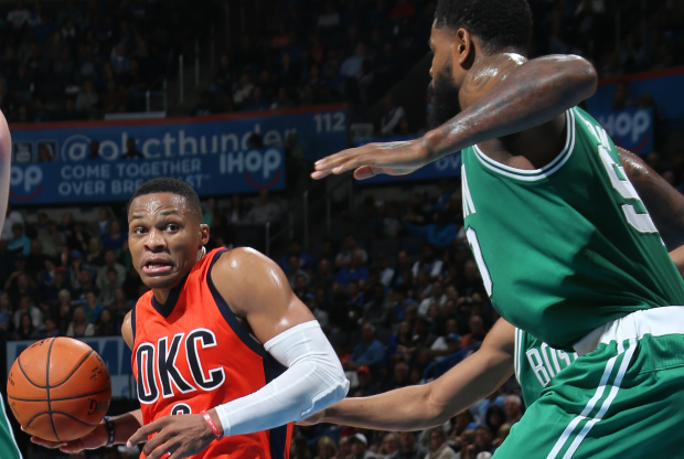 Russell Westbrook ante Boston Celtics