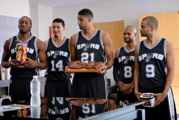 La plantilla de San Antonio Spurs en un cómico comercial