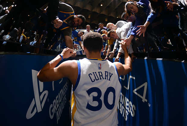 Stephen Curry lidera a uno de los mejores equipos de la historia