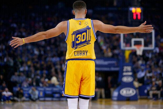 Stephen Curry el hombre que hizo realidad el récord de mejor arranque de temporada.