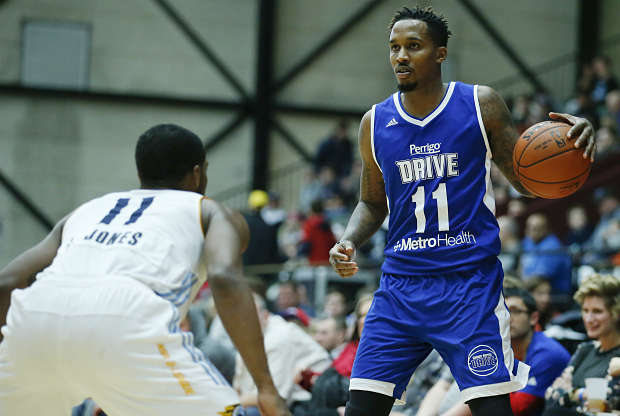 Brandon Jennings jugando en la D-League
