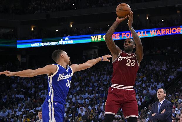 Stephen Curry y LeBron James cara a cara