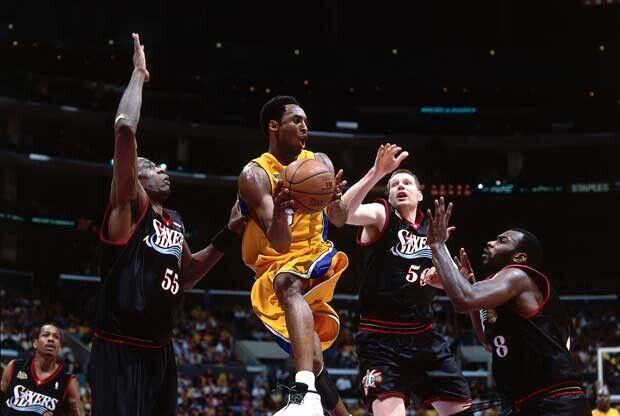 Kobe Bryant, ante Philadelphia 76ers