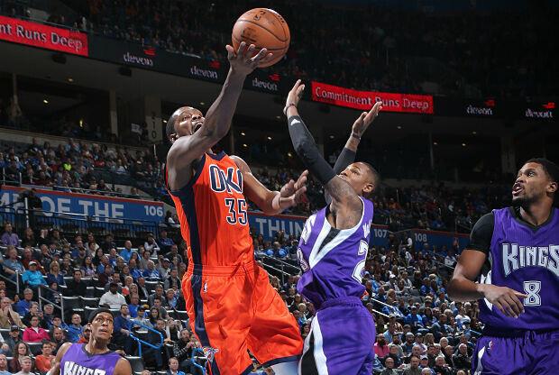 Kevin Durant en partido ante Sacramento Kings.